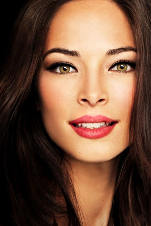 Kristin Kreuk left NXIVM but is silent as to the reason why she left.